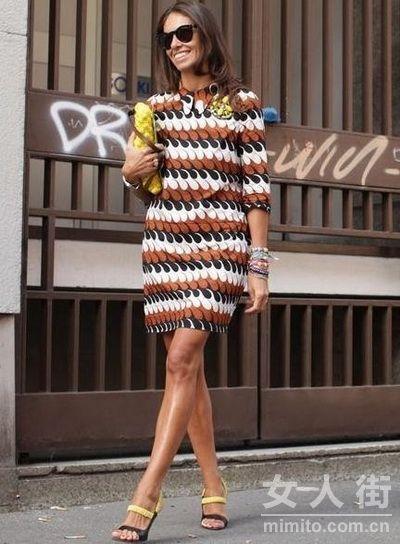 今夏巴黎街头最IN的17款连衣裙